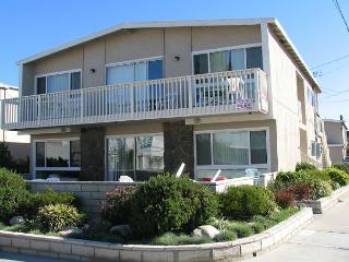 Spacious 4 Bedroom Beach House! 1 House From Sand! (68251) - Newport Beach vacation rentals