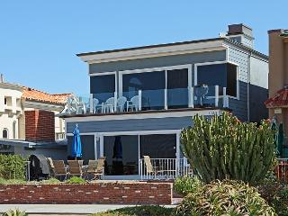 Beautiful Oceanfront Upper Duplex! Come & Relax at the Beach! (68300) - Balboa vacation rentals