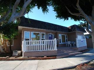 Spacious Peninsula Point Single Family Home! (68208) - Newport Beach vacation rentals