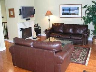 2 Bedroom, 2 Bathroom Vacation Rental in Del Mar - (DM13072CAM) - Del Mar vacation rentals