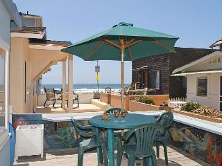 Splendid oceanview getaway- kitchen, 1 car garage, near the beach - San Diego vacation rentals