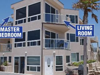 Fabulous oceanfront penthouse on the boardwalk! - San Diego vacation rentals