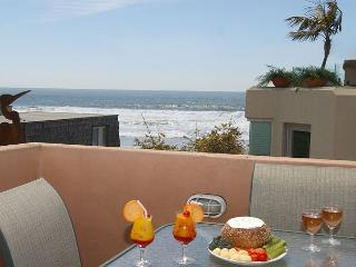 Ocean views  from this 3-bedroom condo - Rooftop deck with ocean views! - San Diego vacation rentals