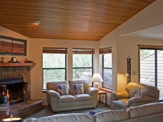 Discover Sunriver vacation home near golf - Sunriver vacation rentals