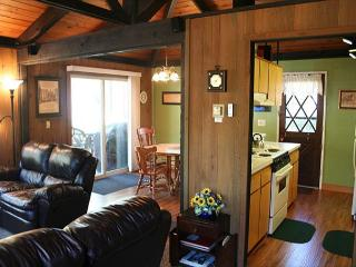 Charming Home Close to Village and Pet Friendly - Sunriver vacation rentals