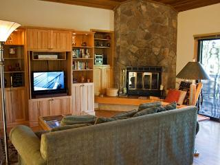Stunning view of Mt Bachelor - Sunriver vacation rentals