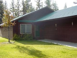 Bear-ly Heaven- Charming home with seasonal pool and tennis courts. - McCall vacation rentals