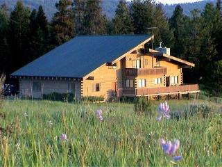 Spacious Lodge Style Home On Large Acreage and Extra Parking - McCall vacation rentals