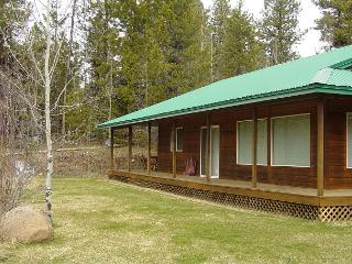 Peaceful mountain-style home with large yard. - McCall vacation rentals