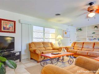 Harbor Paradise Home, Sleeps 14, Heated Pool, Wifi, HDTV - Venice vacation rentals