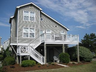 Barnacle Court 001 - Cuzzin's 19th Hole - North Carolina Coast vacation rentals