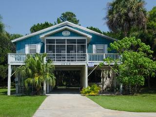 Homesley - Second Row, St. Helena Sound, Pet Friendly - Edisto Beach vacation rentals