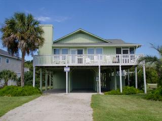 Obie's By the Sea - Screened Porch & Fantastic Location - Edisto Beach vacation rentals