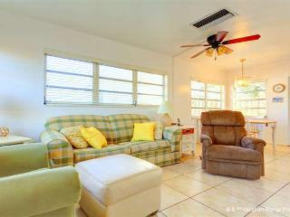 Aloha Kai 50 heated pool & beach access - Siesta Key vacation rentals