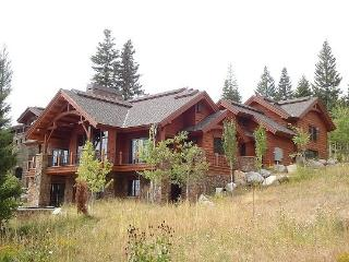 Mountain Paradise II 5 Bedroom, 7 Bath Custom Home. Sleeps 12-14. WIFI. Pet Friendly. - Tamarack vacation rentals