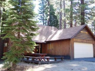 Wonderful cabin near hiking trails and sledding hills - CYH1269 - Lake Tahoe vacation rentals