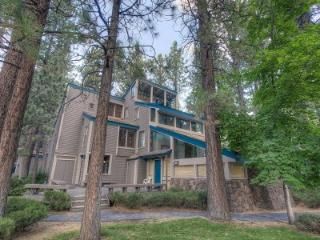 3BR w/ tennis & volleyball courts, 5min to ski & casinos - LLC0804 - South Lake Tahoe vacation rentals