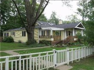 Mellow Yellow - Southwest Michigan vacation rentals