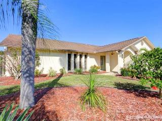 Circle Drive Home with Heated Pool, HDTV & Wifi - Venice vacation rentals