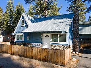 Cozy cabin near the lake- internet, fireplace, skiing, hiking - South Lake Tahoe vacation rentals