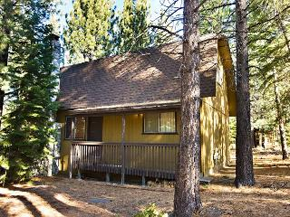 Nice, economic, vacation cabin- wood fireplace, w/d, open deck - South Lake Tahoe vacation rentals