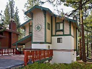 Relaxing vacation chalet with 2 bedrooms and two spacioulofts in Tahoe Tyrol! - South Lake Tahoe vacation rentals