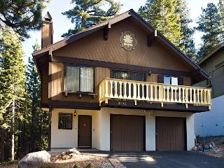 Spacious quiet chalet that backs to the forest! - South Lake Tahoe vacation rentals