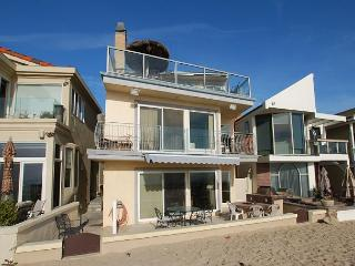 Newly Remodeled  3 Bedroom Oceanfront Home on Sand! Spacious Patio! (68206) - Newport Beach vacation rentals