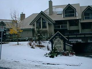 Luxury 3 bd  2 bath townhouse, updated kitchen, fireplace, BBQ, free internet - Whistler vacation rentals