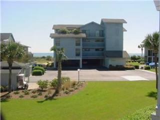 Inlet Point 13B - Oceanfront - Image 1 - Pawleys Island - rentals