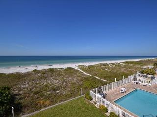 Oceanside 302 Deluxe Gulf front - pool, spa, BBQ , wifi, 3 flat screen TV's - Saint Petersburg vacation rentals