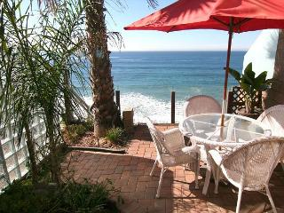 Charming Romantic Oceanfront Vacation Rental E6801-0 - Oceanside vacation rentals