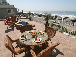 Cozy beachfront vacation rental P538-9 - Oceanside vacation rentals