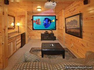 3 Bedroom, 3 Bath, Pool Table, Hot Tub and 9 Foot Theater Screen! - Gatlinburg vacation rentals