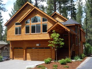 Luxury Tahoe Cabin in a Great Location with Private Hot Tub and Game Room (ST34) - South Lake Tahoe vacation rentals