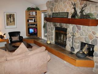 CC305 Charming Condo w/ Wifi, Pet Friendly, Clubhouse, 2 Blocks Off Main St. - Frisco vacation rentals