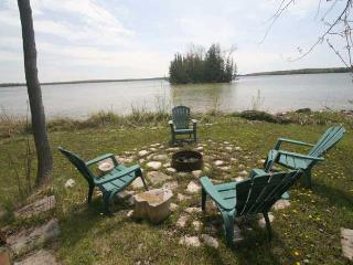 Poppy's Place cottage (#528) - Ontario vacation rentals
