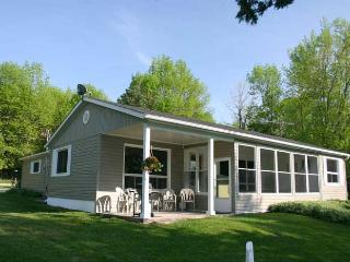 Rainbow Beach cottage (#88) - Owen Sound vacation rentals