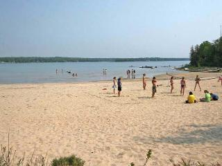 The Cape Cod cottage (#536) - Ontario vacation rentals