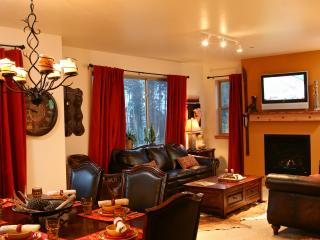 Trailhead Lodges 724: Incredible two-bedroom condo right on Hideaway Park in Winter Park. - Winter Park vacation rentals