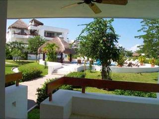 Studio Unit just steps from the pool! - Cozumel vacation rentals