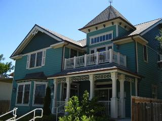 Upstairs on Vine - Paso Robles vacation rentals