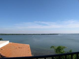 Isla Del Sol - Bahia P-406  4th floor corner condo with panoramic view! - Saint Petersburg vacation rentals