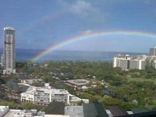Four Paddle #2405 - Great ocean & sunset views! Full kitchen, AC, washer/dryer, parking, WiFi. - Waikiki vacation rentals