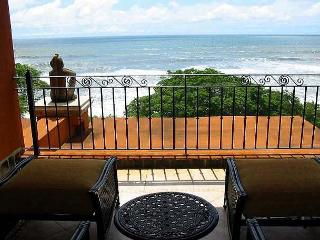 Beautiful penthouse condo- views, private terrace, balcony, kitchen, TV, a/c - Tamarindo vacation rentals
