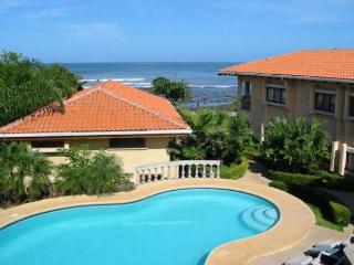 Nice oceanview home- kitchen, internet, a/c, shared pool, jacuzzi tub - Tamarindo vacation rentals