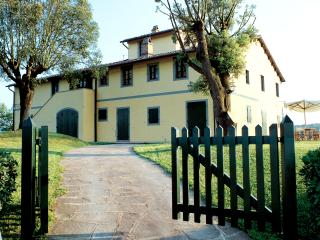Farm Cottage Holiday in Tuscany - Fattoria Capponi - Krizia - Montopoli in Val d'Arno vacation rentals