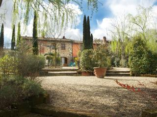 Apartment Rental Near Lucca in Tuscany - La Corte 2 - Orentano vacation rentals