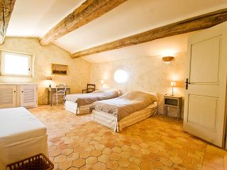 Large Luxury Villa in Provence with a Pool and Tennis Court  - Villa de Banon - Alpes de Haute-Provence vacation rentals