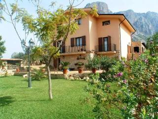 Villa Rental in Sicily, Palermo - Villa Salvatore - Cinisi vacation rentals